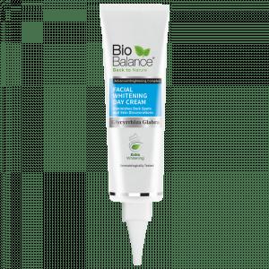 Crema blanqueadora facial de Bio balance con 30 SPF